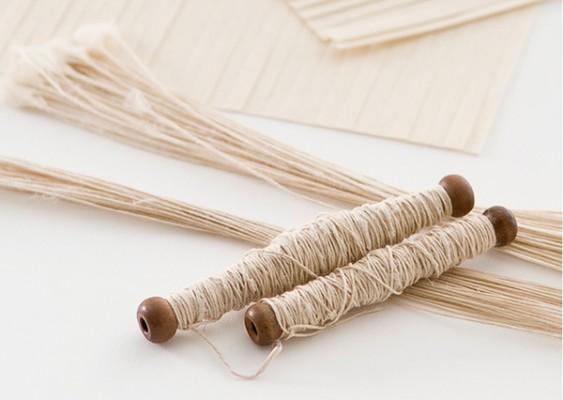 紙布1 和紙で糸を作る