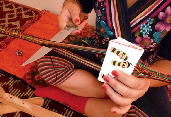 ウズベキスタンのカード織り