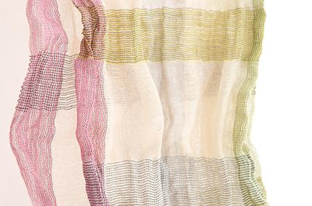 シルクステンレス糸で織るストール